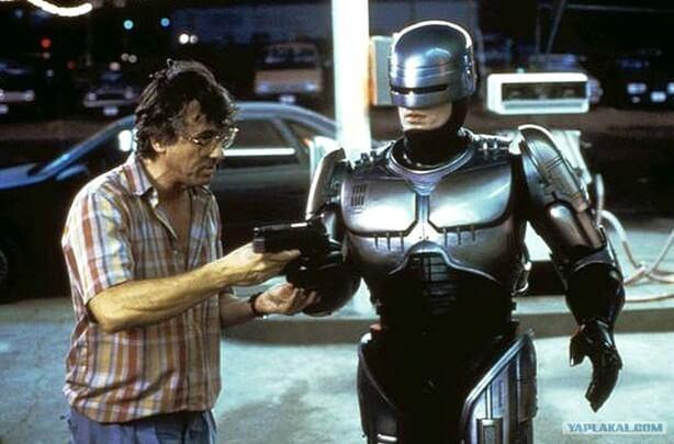 Питер Уэллер на съемках Робокопа