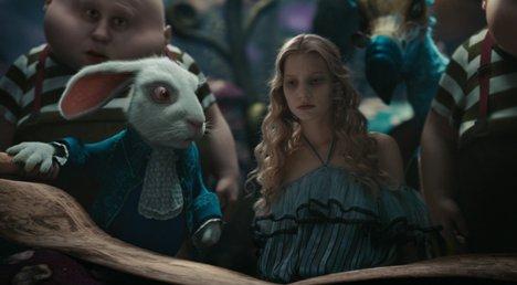 Фильм Алиса в Стране чудес (2010 год)